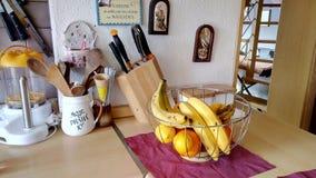 Fruta en cocina Imagen de archivo