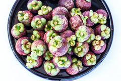 Fruta en mangostán de la bandeja Foto de archivo libre de regalías