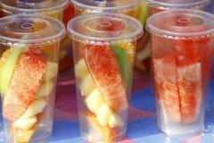 Fruta en un vidrio. Fotografía de archivo