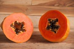 Fruta fresca da papaia Fotos de Stock