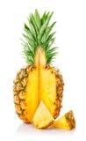 Fruta fresca de la piña con el corte fotografía de archivo libre de regalías