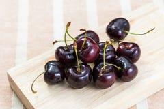Fruta fresca de las cerezas Imágenes de archivo libres de regalías
