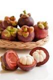 Fruta fresca de los mangostanes Foto de archivo libre de regalías