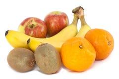 Fruta fresca - maçãs, laranjas, bananas & quivi Foto de Stock