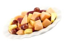 Fruta fresca mezclada en plato fotos de archivo libres de regalías