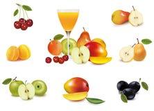 Fruta fresca y vidrio de jugo. Vector Imagenes de archivo