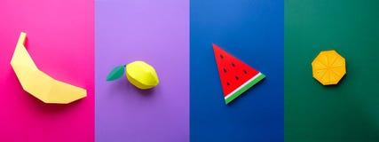 Fruta hecha del papel Fondo colorido tropics Endecha plana fotografía de archivo