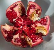Fruta jugosa de la granada Imagen de archivo libre de regalías