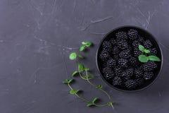 Fruta madura de la zarzamora imagen de archivo libre de regalías