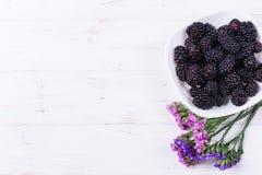 Fruta madura de la zarzamora fotografía de archivo libre de regalías