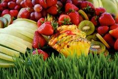 Fruta a montones Imagen de archivo libre de regalías
