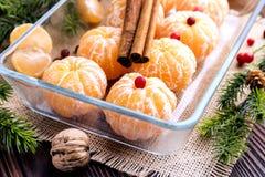 Fruta pelada de la Navidad de los mandarines Fotos de archivo