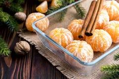 Fruta pelada de la Navidad de los mandarines Fotos de archivo libres de regalías