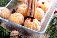 Fruta pelada de la Navidad de los mandarines Fotografía de archivo libre de regalías