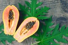 Fruta a solas tropical fresca madura dulce de la papaya Foto de archivo