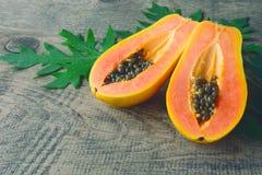 Fruta a solas tropical fresca madura dulce de la papaya Fotografía de archivo