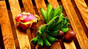 Fruta tropical vídeos de arquivo