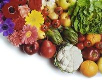 Fruta, vehículos y flores Fotos de archivo libres de regalías