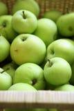 Fruta verde de la manzana Foto de archivo libre de regalías