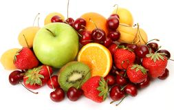 Fruta y bayas maduras fotos de archivo libres de regalías