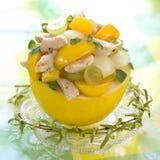 Fruta y ensalada de pollo sabrosas Fotos de archivo libres de regalías