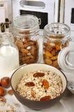 Fruta y granos del desayuno Foto de archivo libre de regalías