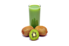 Fruta y jugo de kiwi Imagen de archivo libre de regalías