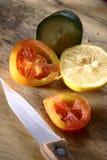 Fruta y verdura cortada Imagen de archivo libre de regalías