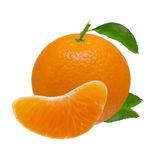 Frutas anaranjadas de la mandarina aisladas en el fondo blanco con la trayectoria de recortes Imagen de archivo libre de regalías