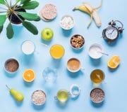 Frutas coloridas útiles del té de la leche del café del desayuno Fotografía de archivo
