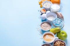 Frutas coloridas útiles del té de la leche del café del desayuno Imagenes de archivo