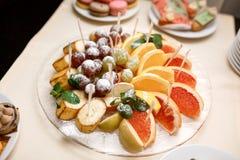 Frutas cortadas Imagen de archivo libre de regalías