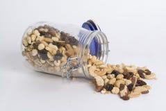 Frutas da amêndoa, as nuts e as secas em um vidro Fotos de Stock Royalty Free