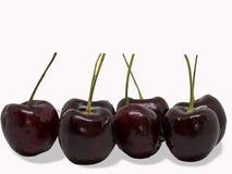 Frutas da cereja com folhas Trajeto de grampeamento Fotos de Stock Royalty Free
