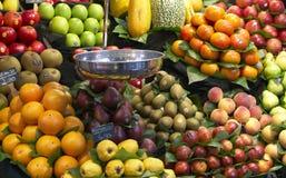 Frutas de Frest no mercado Imagem de Stock