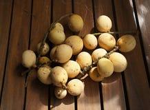 Frutas de Lanzones Imagen de archivo