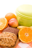 Frutas e bolinhos Fotos de Stock