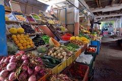 Frutas e legumes em um mercado Imagem de Stock Royalty Free