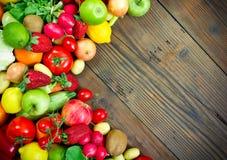 Frutas e legumes frescas Imagem de Stock Royalty Free