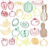 Frutas e legumes no contexto de Fotos de Stock Royalty Free