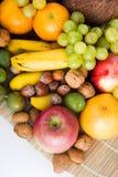 Frutas e porcas Foto de Stock