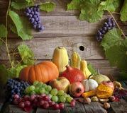 Frutas e verdura com abóboras Fotografia de Stock Royalty Free