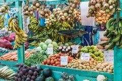 Frutas e verdura mercado do ` s do fazendeiro San Jose, Costa Rica, tro foto de stock royalty free
