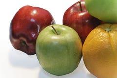 Frutas en el fondo blanco Imagenes de archivo