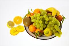 Frutas en la placa Foto de archivo libre de regalías