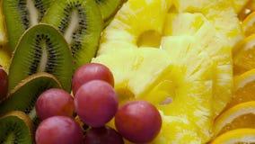 Frutas en la placa almacen de metraje de vídeo