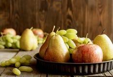 Frutas estacionales Fotografía de archivo libre de regalías
