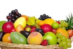 Frutas exóticas em uma cesta do fim Imagens de Stock