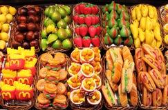 Frutas falsas del mazapán fotografía de archivo libre de regalías