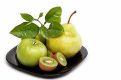 Frutas frescas aisladas en un blanco. Fotografía de archivo libre de regalías